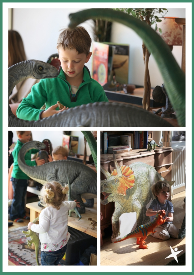 The Little explorers with the dinosaurs